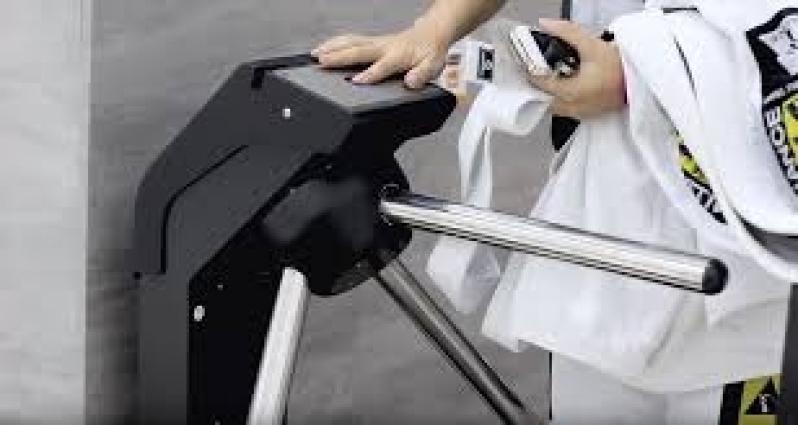 Sistemas de Controle de Acesso para Academias de Condomínios Carangola - Controle de Acesso Biométrico